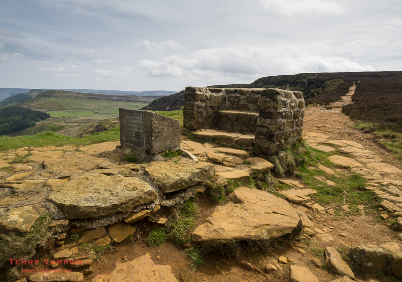Seat and memorial at Cringle Moor