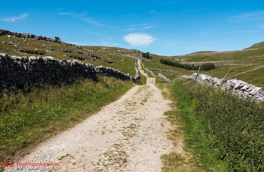 The track to Hull Pot and Pen Y Ghent